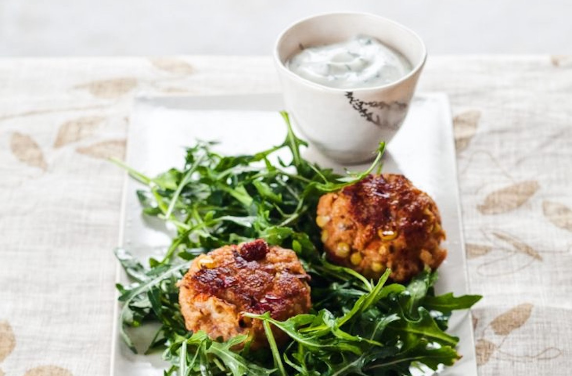 These Deliciously Healthy Crab Cakes Make the Perfect Easy-but-Fancy Dinner