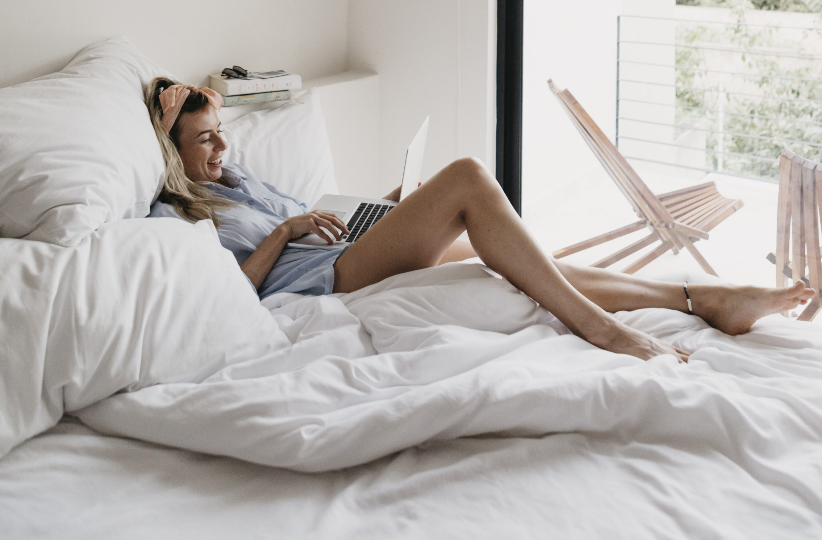 Thumbnail for If You Absolutely Must Work From Your Bed, Posture Pros Say This Is a Must-Read