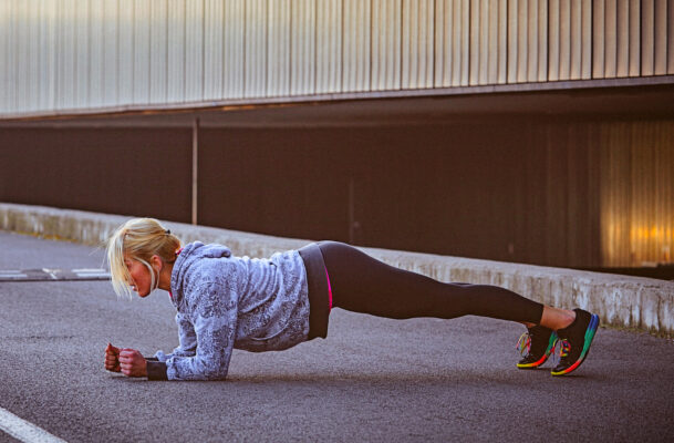 Tiger Push-Ups Hit the Hardest-To-Reach Muscles In Your Abs and Upper Body
