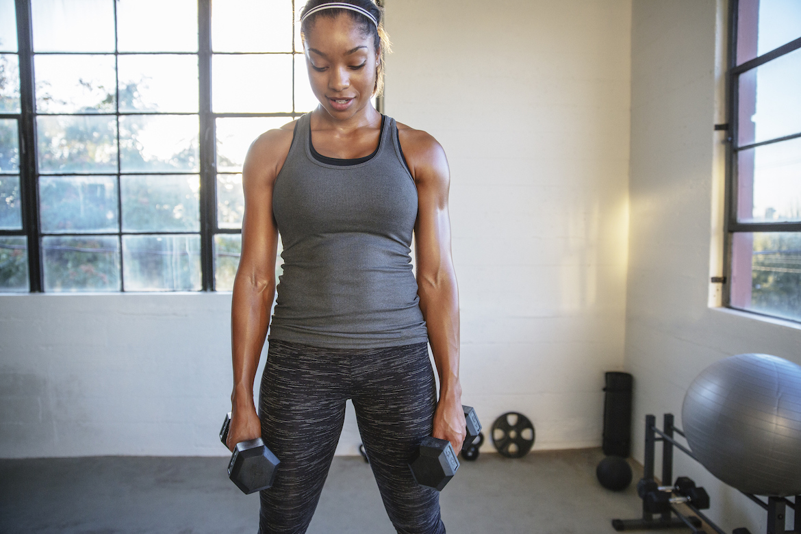 Trainers Are Seriously Begging You To Stop Doing *This* Standing Ab Exercise