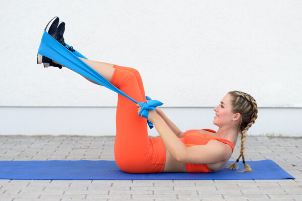 5 Resistance Band Leg Workouts That'll Burn Out Your Lower Body in 30 Minutes or Less