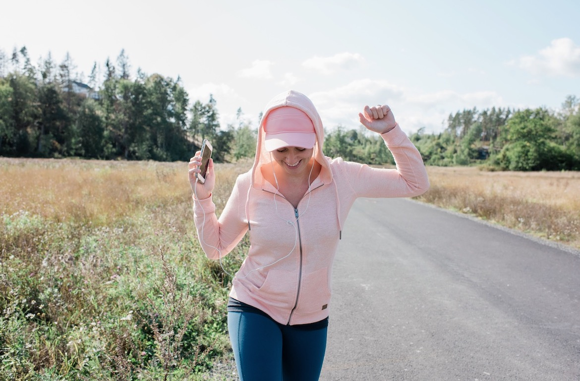 'I'm a Walking Coach, And These Are the 3 Exercises I Always Recommend for Faster Miles'
