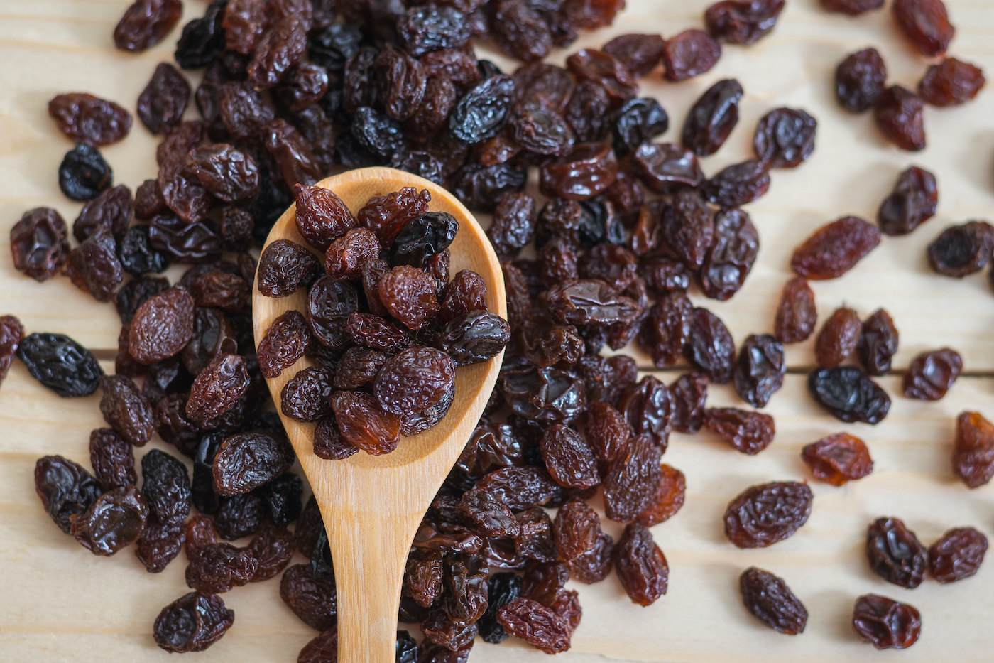 Thumbnail for 5 Benefits of Raisins That Make Them a Surprisingly Good Pre-Workout Snack