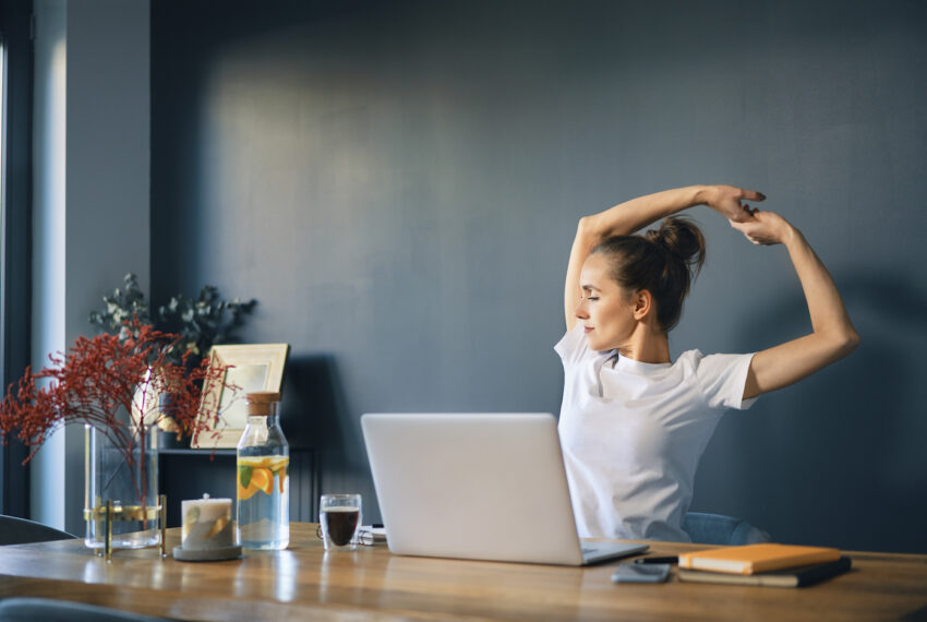 'I'm a Chiropractor and These Are the Most Common Work-From-Home Problems I See'