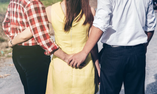 What To Know About Vee Relationships, the Polyamorous Structure Some People Swear By