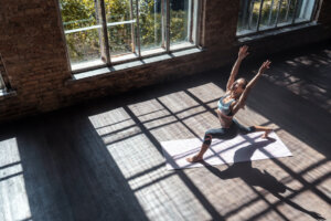 This Is Why You're Having Trouble Balancing in Yoga Lunge Poses