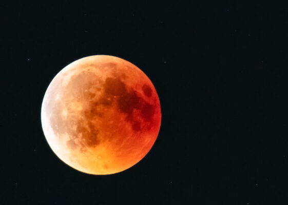 The 4-Step Lunar Eclipse Ritual for Letting Go of Toxic Energy