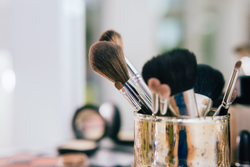 5 Tools and Cleansers That Make Cleaning Makeup Brushes So Much Easier—and One Costs $3
