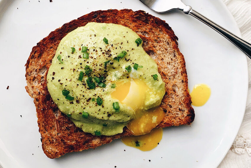 This Healthy Avocado 'Hollandaise' Sauce Is Exactly What's Missing From Your Brunch