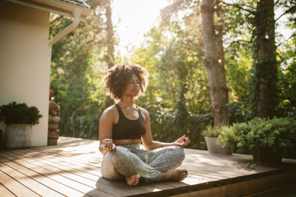 Meditation—Not Just Medication—Can Help Alleviate Pain From Headaches. Here's How