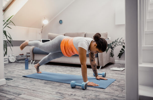 Any Good Burpee Workout Requires Other Moves, Too—Just Ask Nike Master Trainer Kirsty Godso