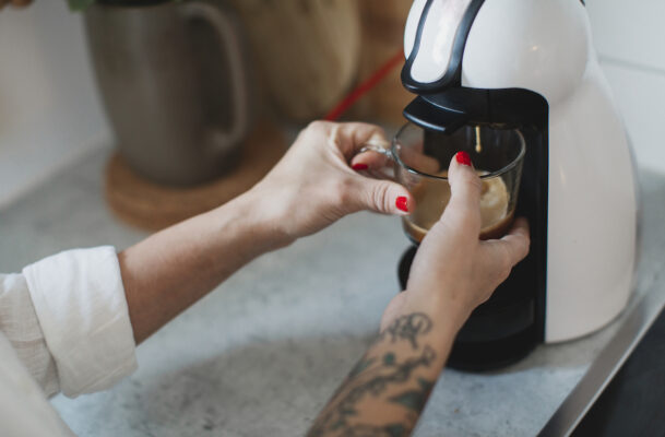 6 Mistakes You're Making When Cleaning Your Coffee Machine That Affect the Quality of Your Joe