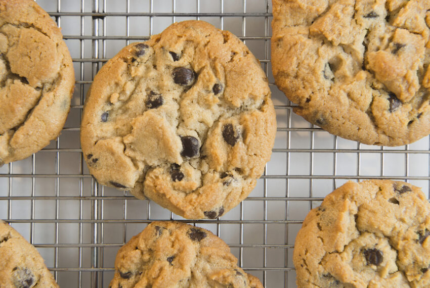 7 Holiday Cookie Recipes To Bake With Your Loved Ones This Season