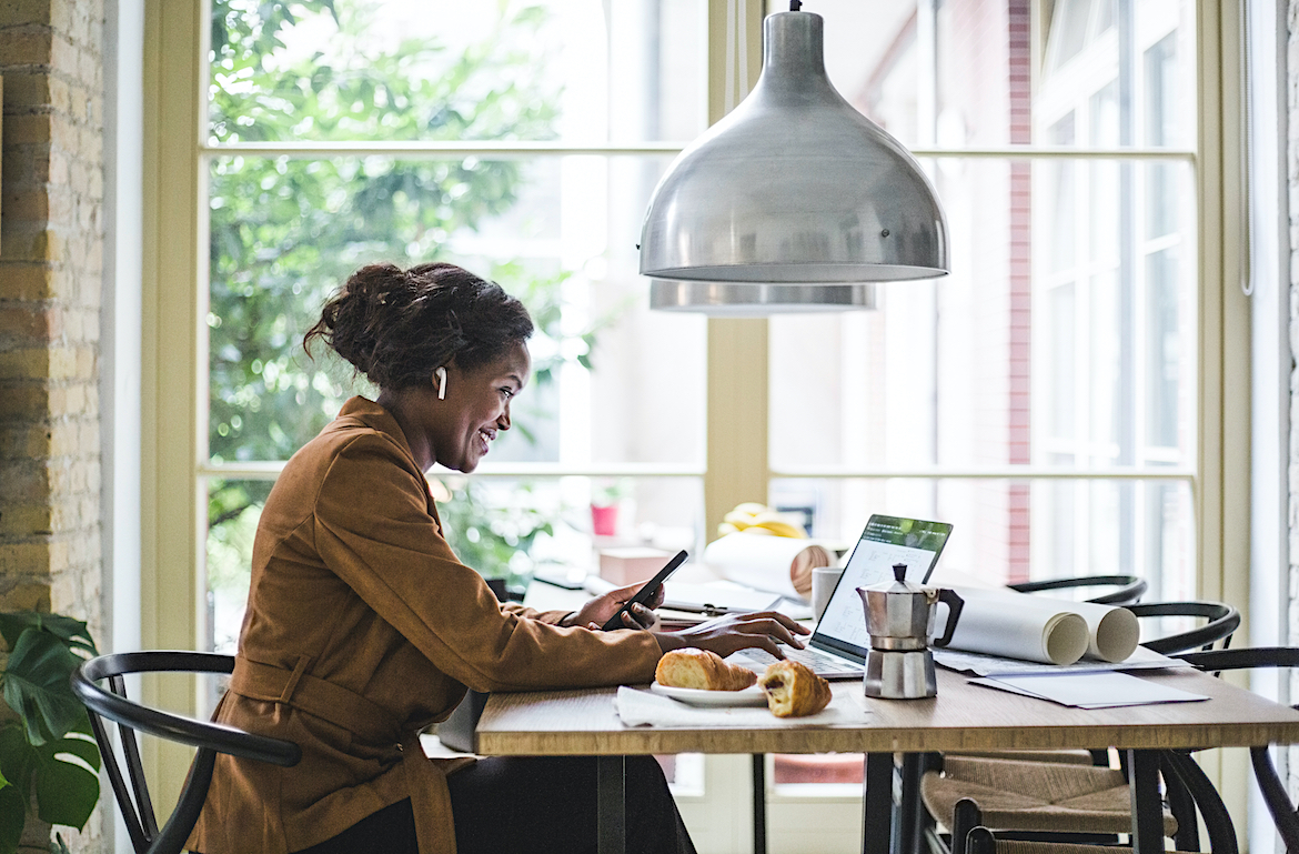 The 6 Best WFH Tips We Learned This Year and Are *Def* Taking Into 2021