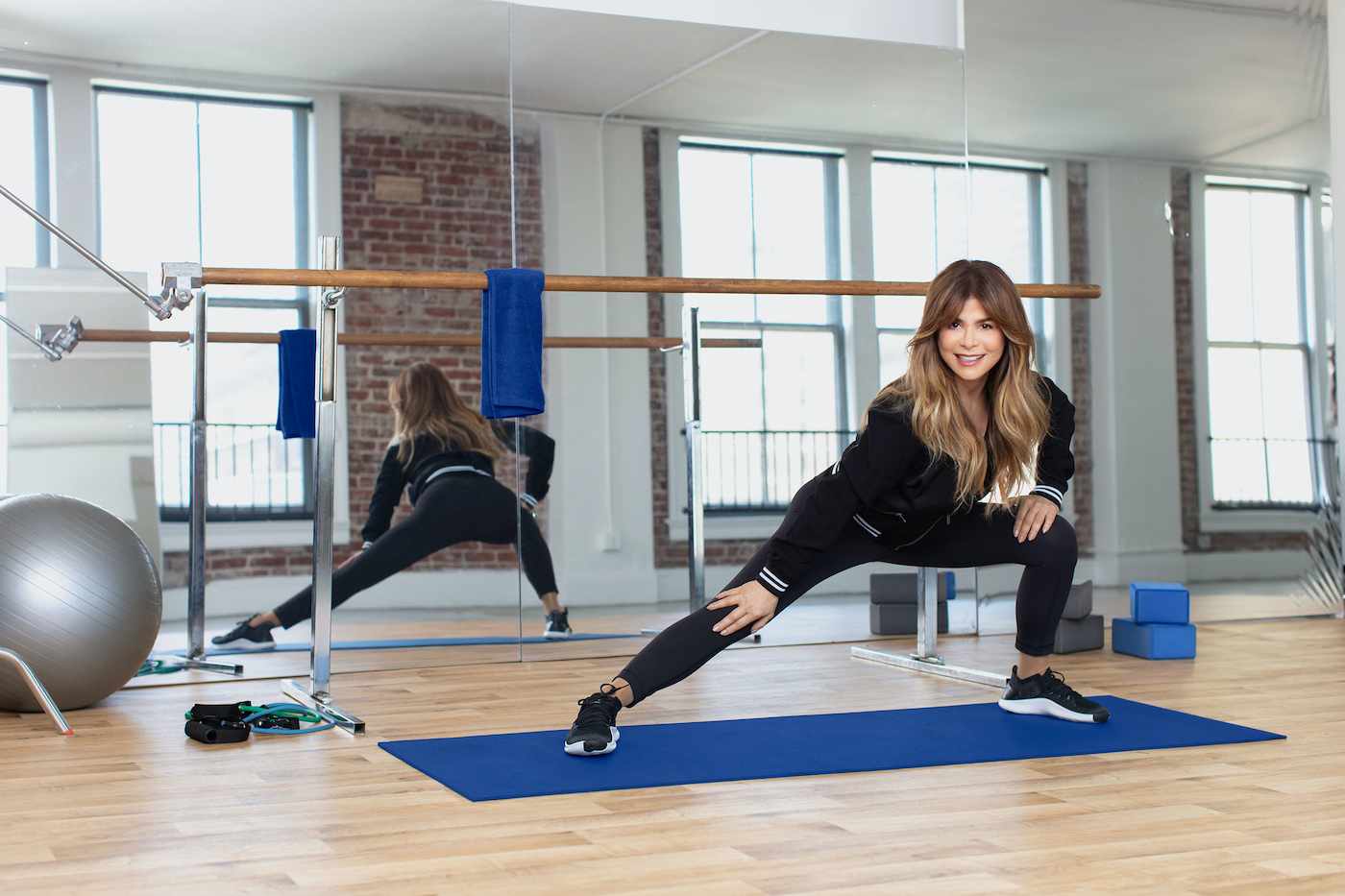 Thumbnail for Paula Abdul Hates Sit-Ups, Too—Here's What She Does To Keep Her Core Strong Instead
