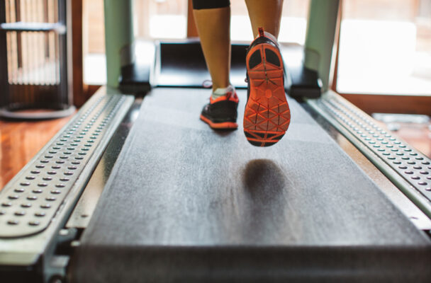 The Low-Impact 12-3-30 Workout Is One of the Best Ways To Get Your Heart Rate...