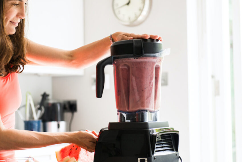 4 Smoothie Mistakes Standing Between You and a Healthy Breakfast