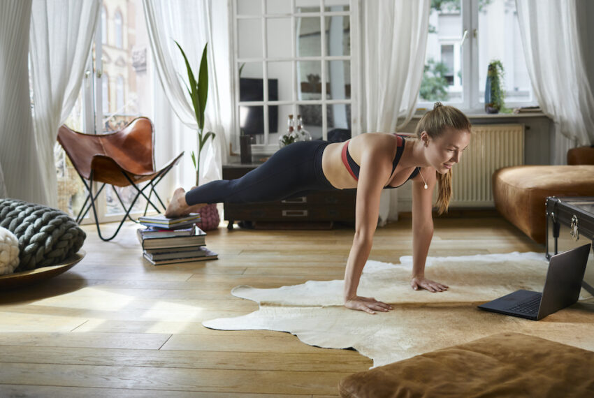 5 Moves That Will Work Your Core and Glutes at the Same Time