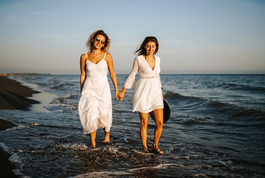 10 Flowy White Dresses for Your Effortlessly Stylish Summer Wardrobe