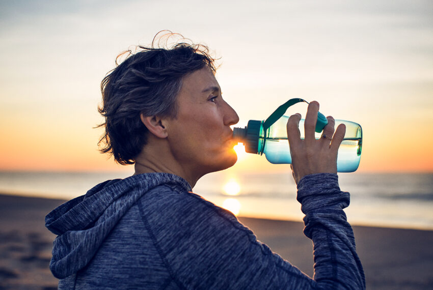 Here's How Your Body Tells You That You're Not Drinking Enough Water