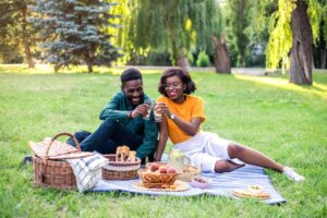 12 Picnic Essentials for a Picture-Perfect Afternoon in the Park