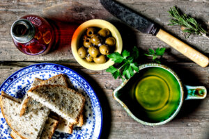 7 Healthy Olive Oil Dipping Sets for Easy Summer Entertaining