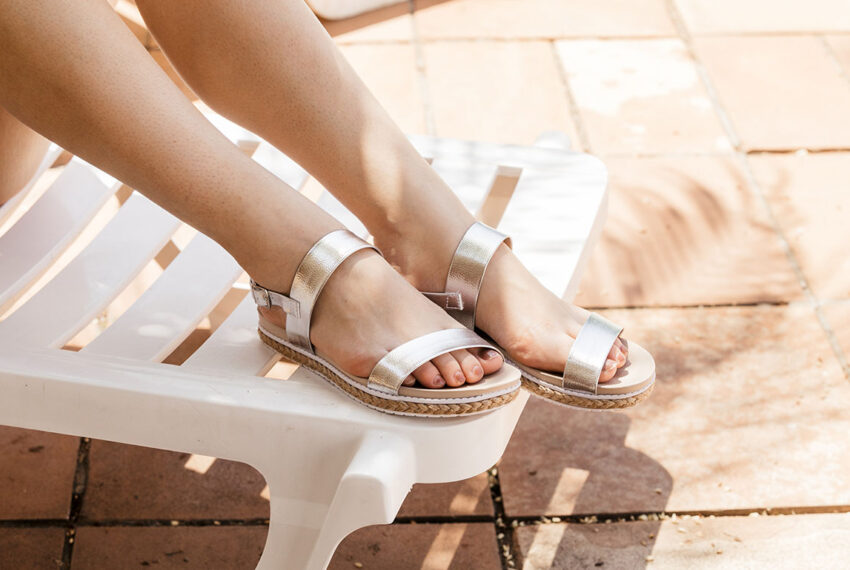 6 Pairs of Summer Shoes for Flat Feet That Are Cute and Podiatrist-Approved