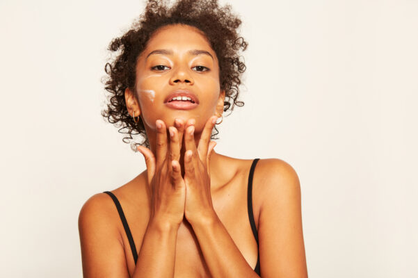 4 Mistakes That Are Causing You To Waste Money on Skin-Care Serums, According to an...