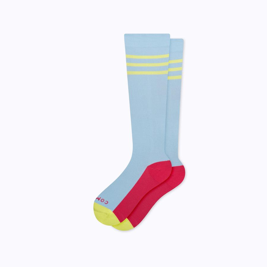 3 of the Best Compression Socks to Alleviate Leg Fatigue From Swelling—and Boost Circulation