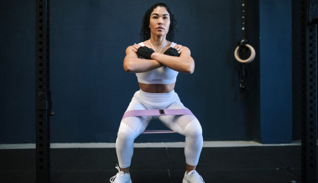 The Trainer-Approved 'Sissy Squat' Will Work Your Abs, Glutes, and Quads All at Once