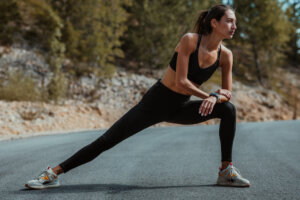 This Longevity-Boosting '3D Warmup' Gets Your Body Ready for Cardio