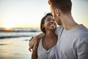 5 Signs You're Dealing With Mixed Signals in a Relationship—And How To Deal With Them Effectively