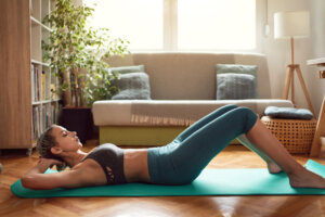 The 10-Minute Pilates Core Workout That Left Our Instructor 'Shaking'