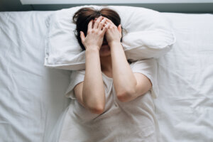 'I'm a Neurologist and Here's What You Should Know About Migraine and Sleep'